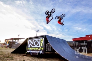 nowearbmx_stunt_team_photo_4